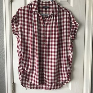 Madewell Tops - Madewell Short sleeve button down blouse.